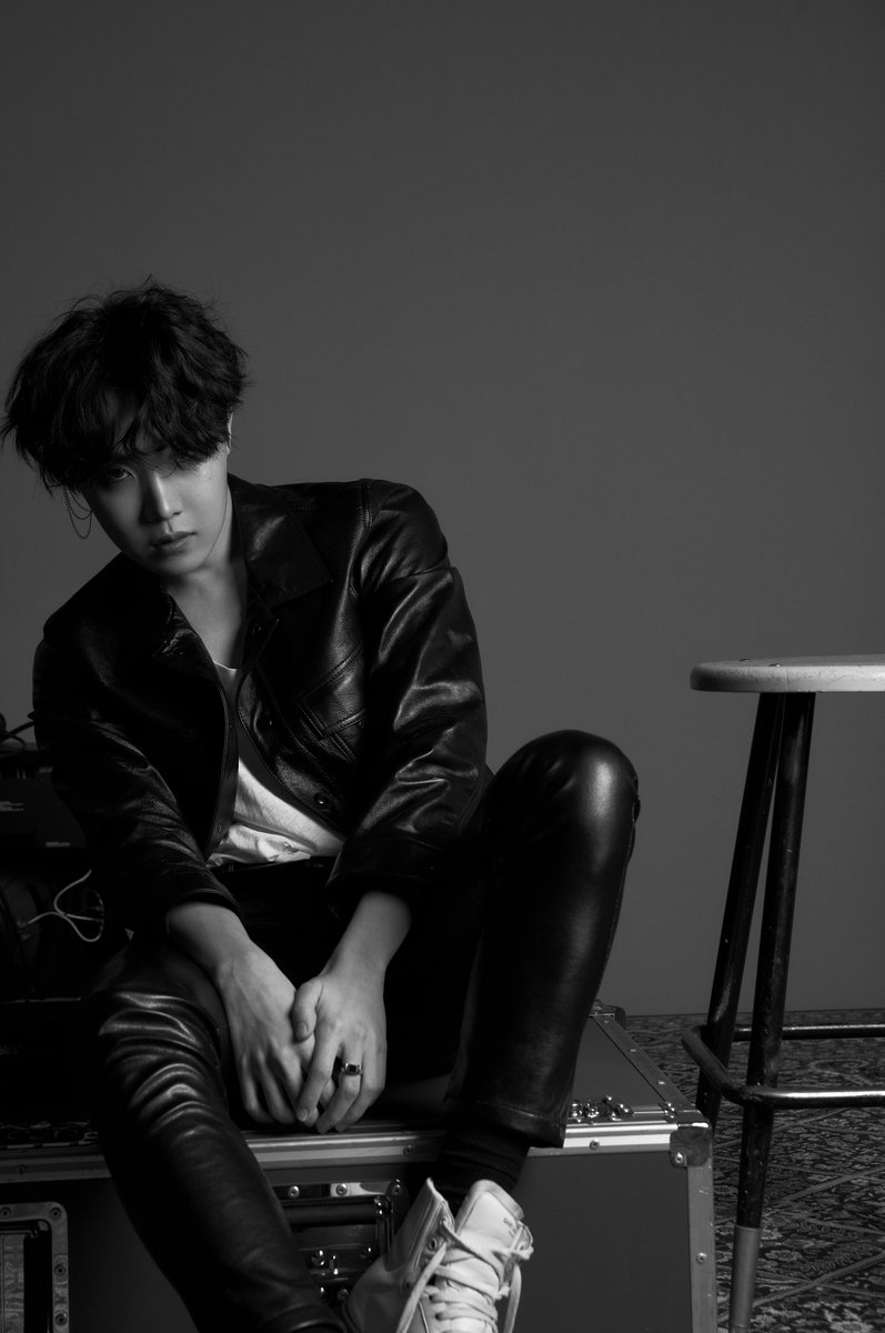 """BTS Unveils Stunning First Concept Photos For """"Love Yourself: Tear"""" 