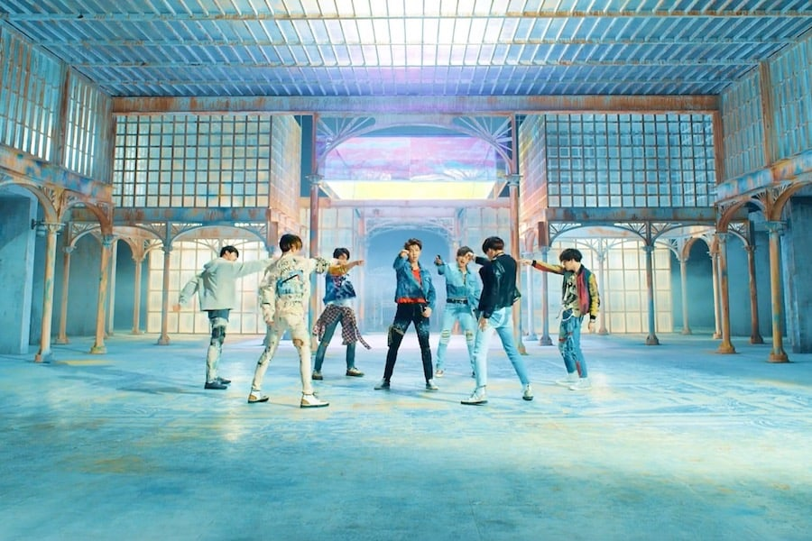 https://0.soompi.io/wp-content/uploads/2018/05/18061317/bts-fake-love1.jpg