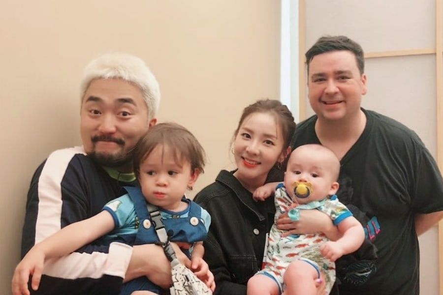 William and bentley unexpectedly meet sandara park while visiting william and bentley unexpectedly meet sandara park while visiting the famous yg cafeteria m4hsunfo