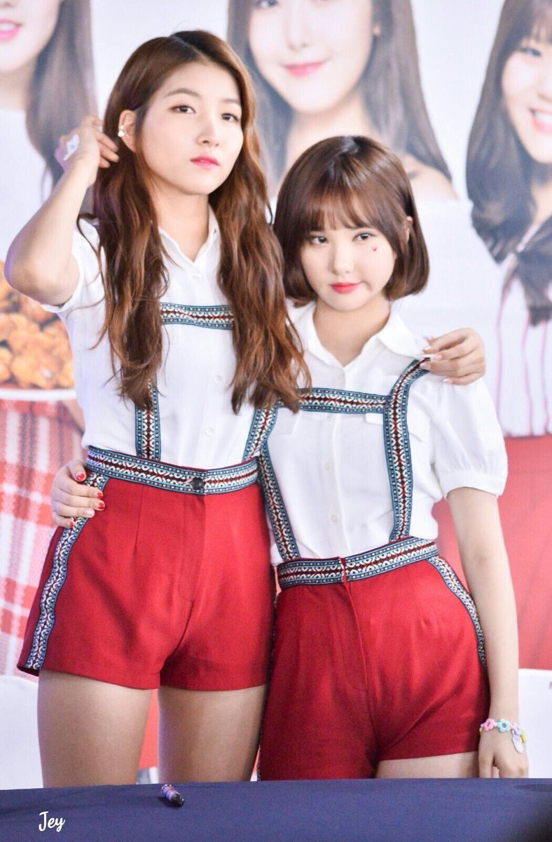 17 Of The Most Adorable Height Differences In K-Pop Groups