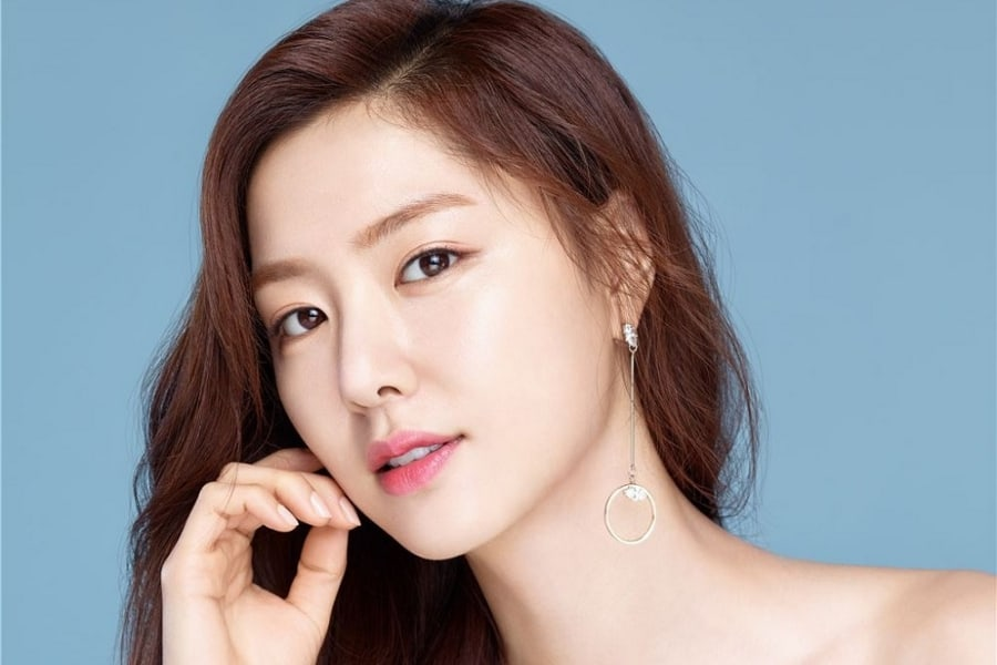 seo ji hye joins jun ji hyuns agency soompi