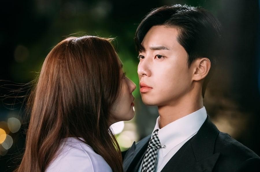"""Phim tâm lý, tình cảm: 9 Khoảnh khắc rung động trong """"Thư Ký Kim Sao Thế?"""" không thể bỏ qua Park-Min-Young-Park-Seo-Joon5"""
