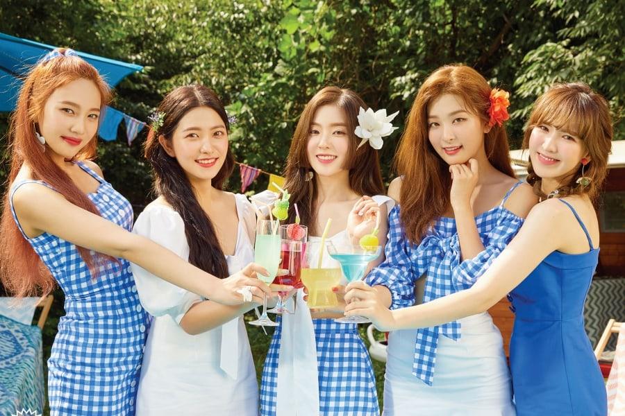 Red Velvet untuk album Summer Magic.