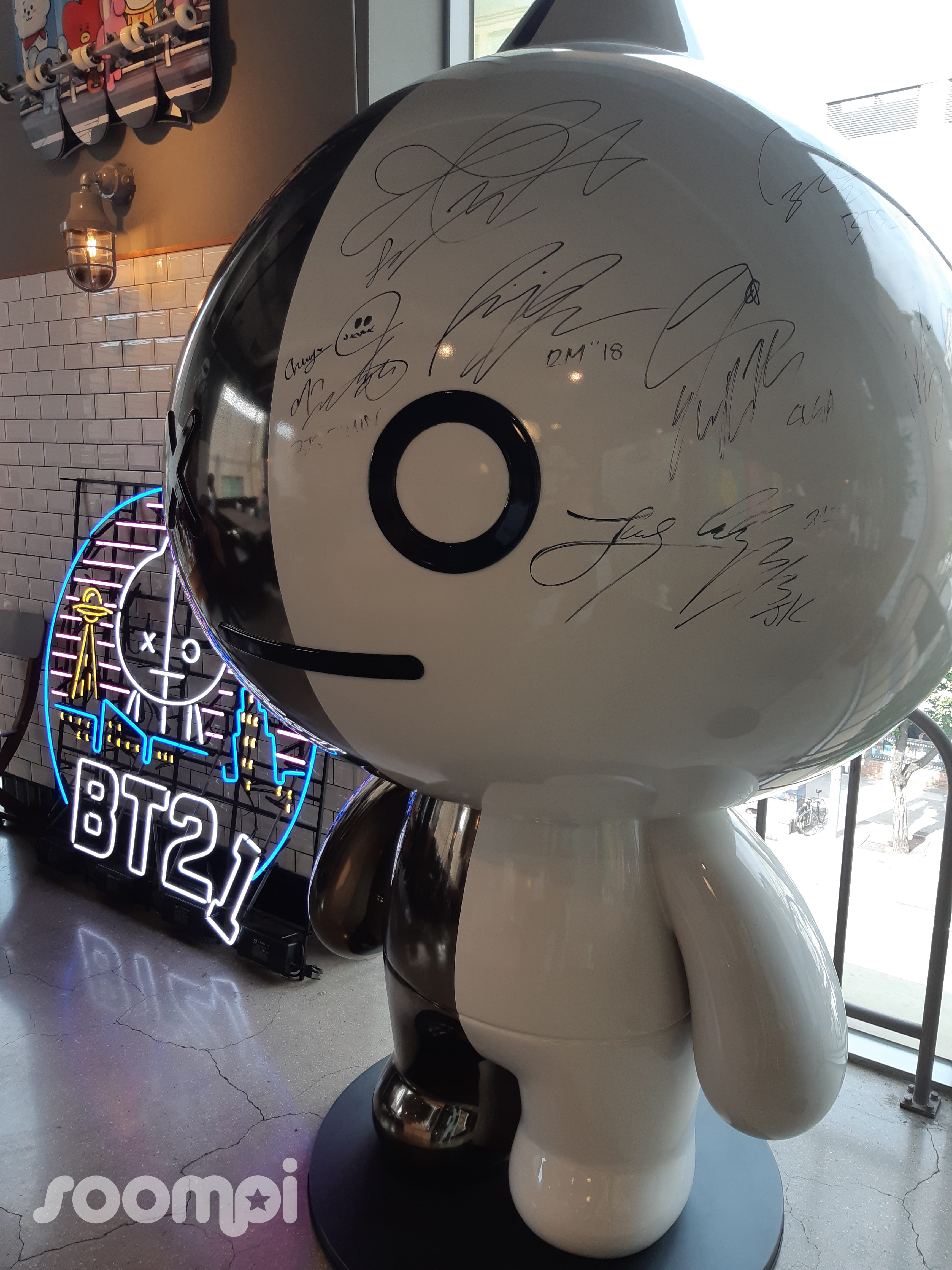 BTS Stan Tour: 7 Places In Seoul ARMYs Have To Visit | Soompi