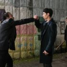 "Lee Je Hoon Demonstrates His Strength In A Street Fight In ""Where Stars Land"""