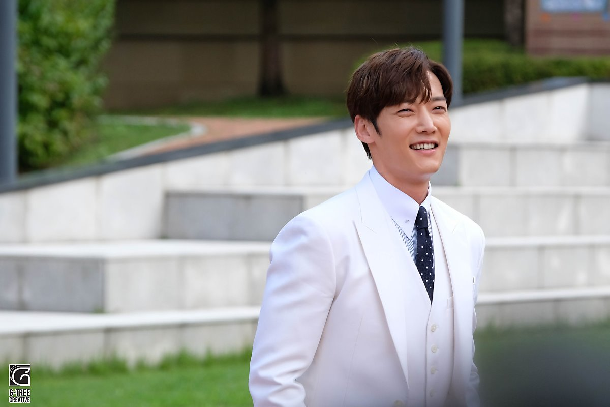 Choi Jin Hyuk, Song Ha Yoon, Hoya, And More Comment On