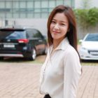 Kyung Soo Jin Signs With YG Entertainment
