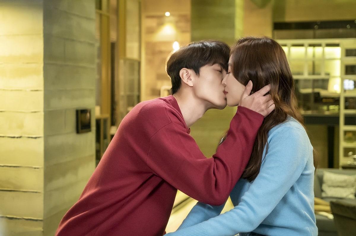 "Lee Min Ki And Seo Hyun Jin Can't Hide Their Feelings Of Love In ""The Beauty Inside"""