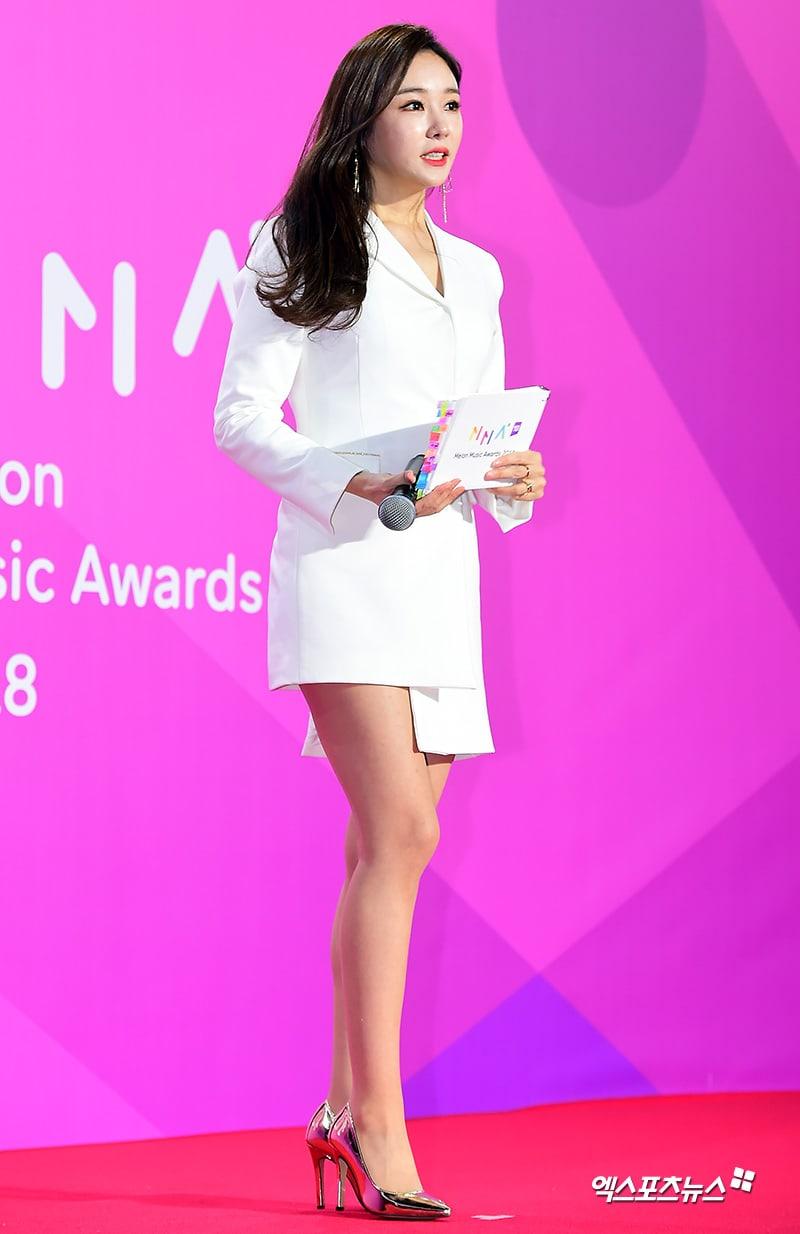 Estrellas iluminan la alfombra roja con sus looks en los 2018 Melon Music Awards 122