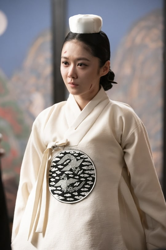 """Jang Nara And Lee Elijah Engage In Intense Face-Off In """"The Last"""