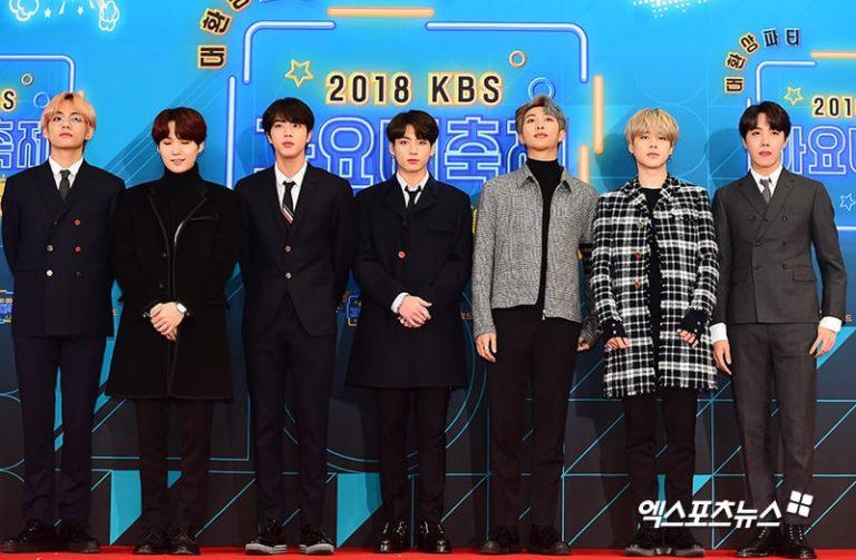 BTS saat Red Carpet KBS Song Festival 2018.