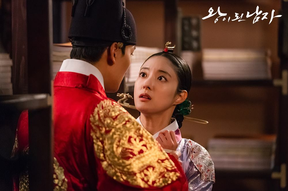 Yeo Jin Goo And Lee Se Young Have A Close Encounter In The ...