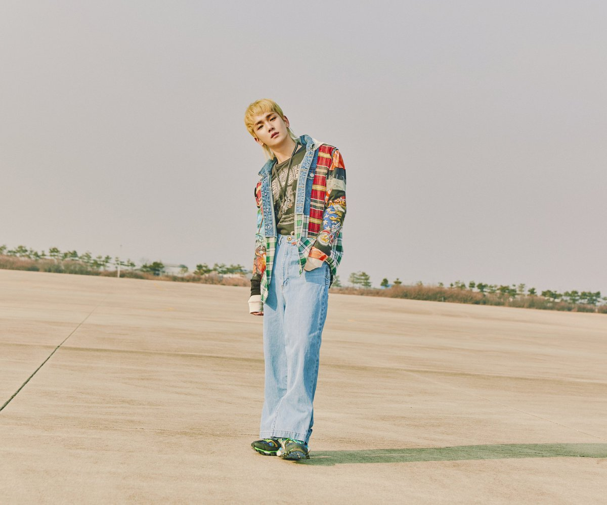 """Update: SHINee's Key Embraces Retro Vibe In New Teasers For """"I Wanna"""