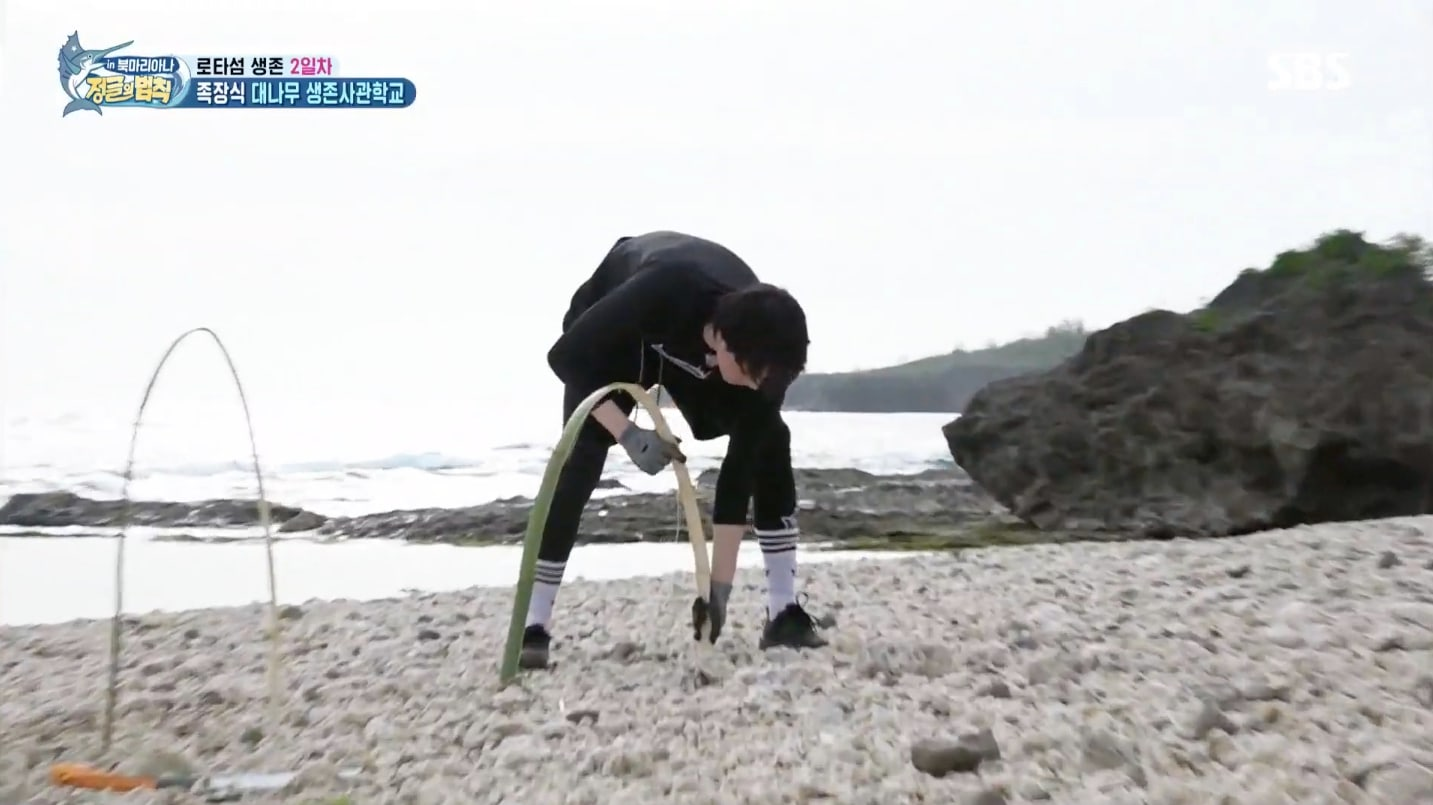 """GOT7's Yugyeom Suffers Minor Injury On """"Law Of The Jungle"""" 