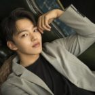 "Yeo Jin Goo Talks About Working With Lee Se Young In ""The Crowned Clown,"" His Love Life, And More"