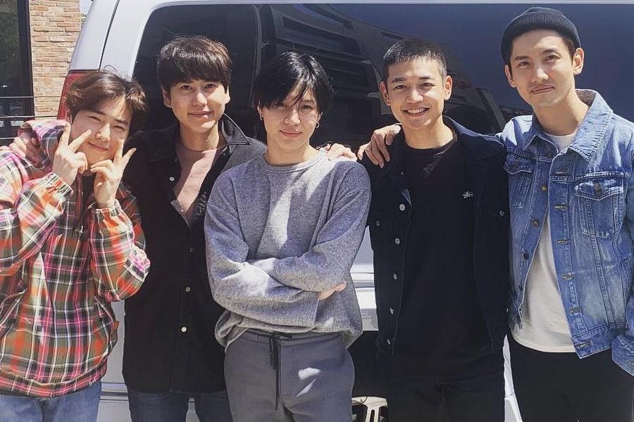 Members Of Exo Shinee Tvxq And Super Junior Send Minho Off To Military Soompi
