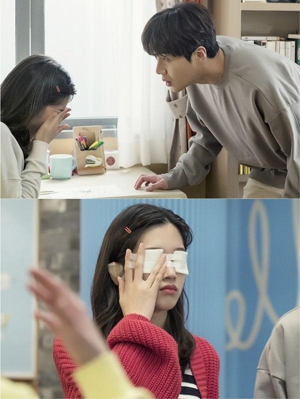 Moon-Ga-Young-Kim-Seon-Ho.jpg