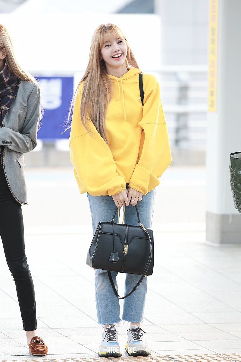 queen of style blackpink's lisa's offduty outfits to