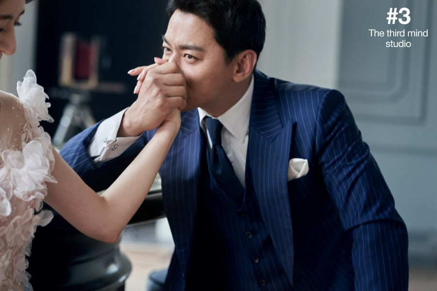 joo jin mo and his wife are glowing with happiness in