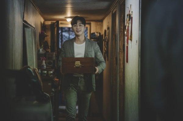 """Parasite"" Director Bong Joon Ho On Why He Needed Park Seo Joon For The Film"