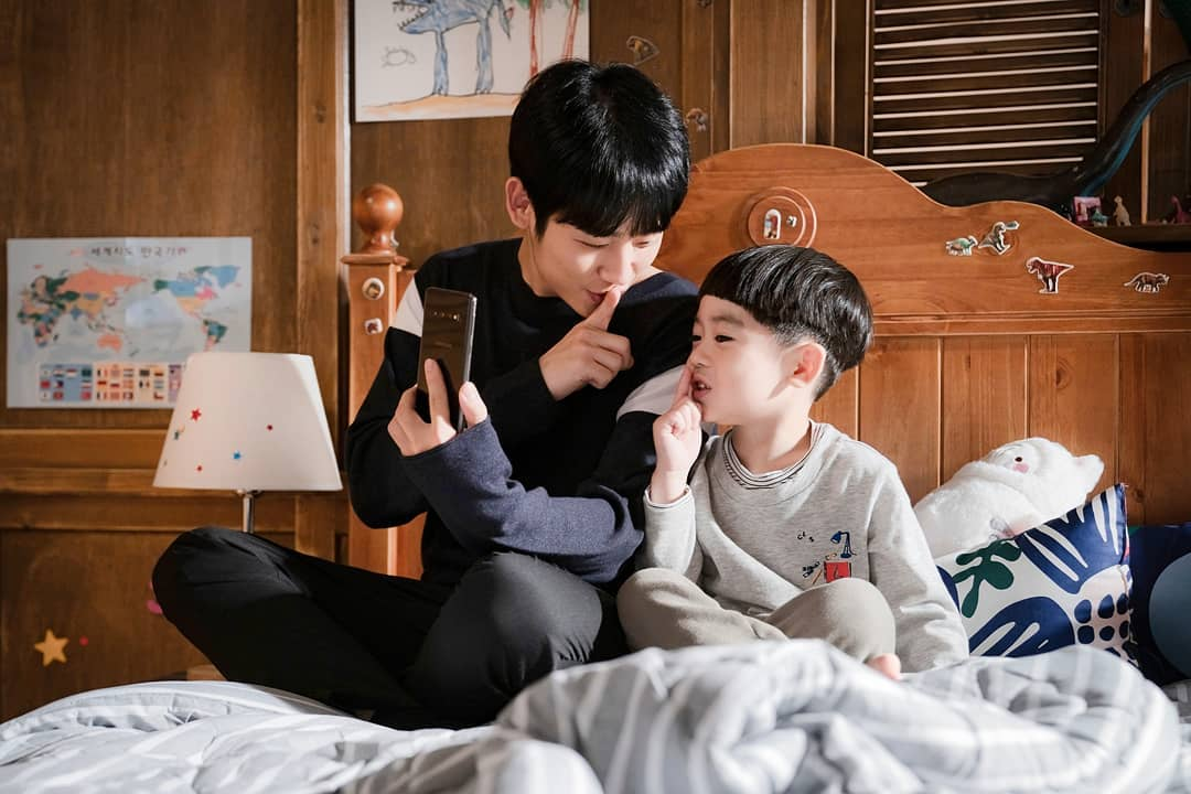 [K-Drama]: Jung Hae In Shares Photos Of Himself Having A Blast With His On-Screen Son