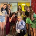 MOMOLAND Has Fun Meet-Up With American Singer-Songwriter Lauv In Mexico