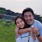"Ryu Seung Ryong Shares Sweet Reunion With Onscreen Daughter From ""Miracle In Cell No.7"""