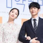 "Kim Go Eun And Jung Hae In Share What It Was Like To Reunite For New Film After ""Goblin"""