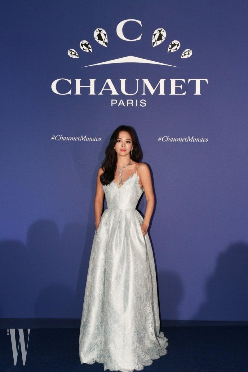 Song Hye Kyo brilha em novas fotos do evento de joias em Mônaco