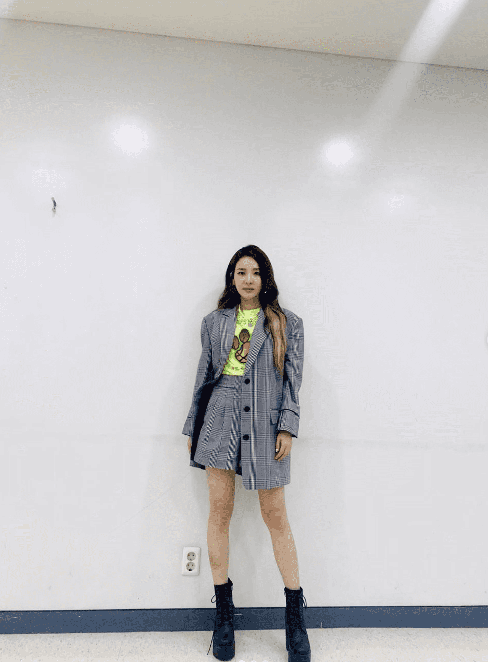 6 K-Pop Idols Whose Fashion Sense Is Out Of This World  Soompi