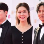 Stars Dazzle On The Red Carpet At The Seoul Drama Awards 2019