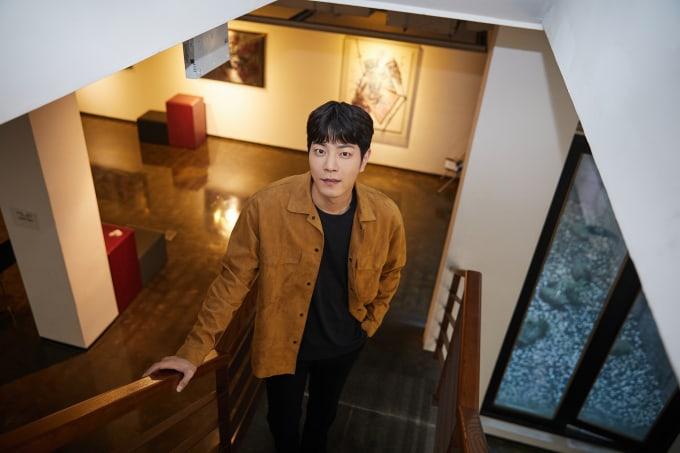 Hong-Jong-Hyun-2.jpg