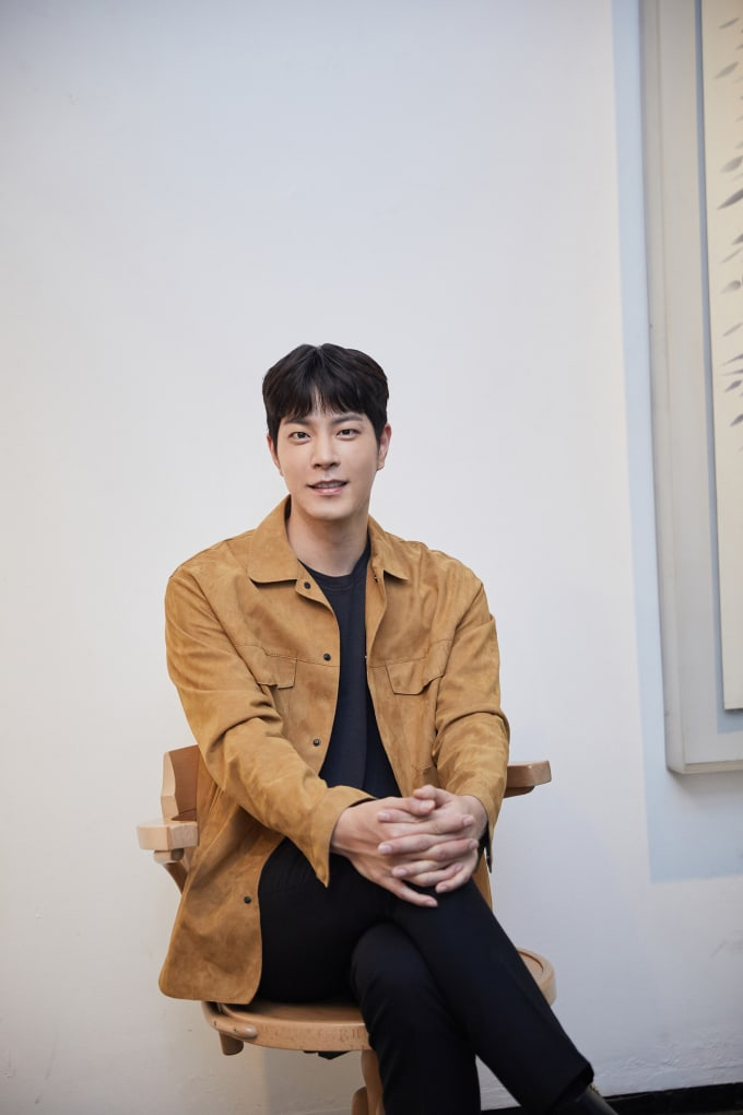 Hong-Jong-Hyun-4.jpg