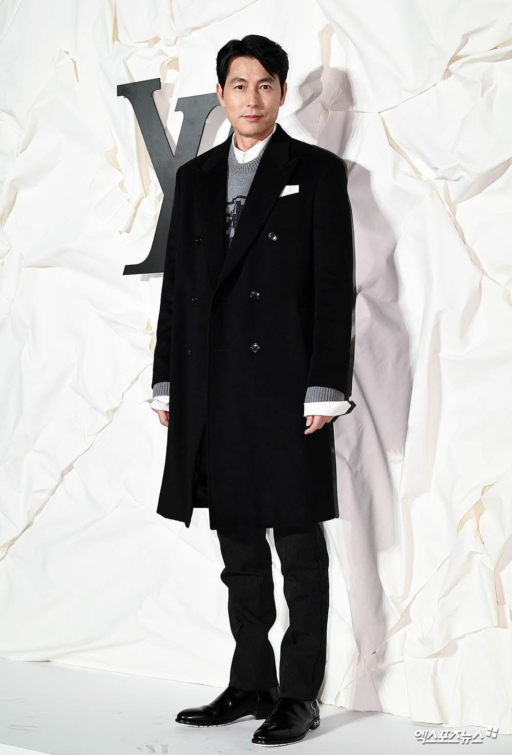 https://0.soompi.io/wp-content/uploads/2019/10/31074859/Jung-Woo-Sung-XPN.jpg