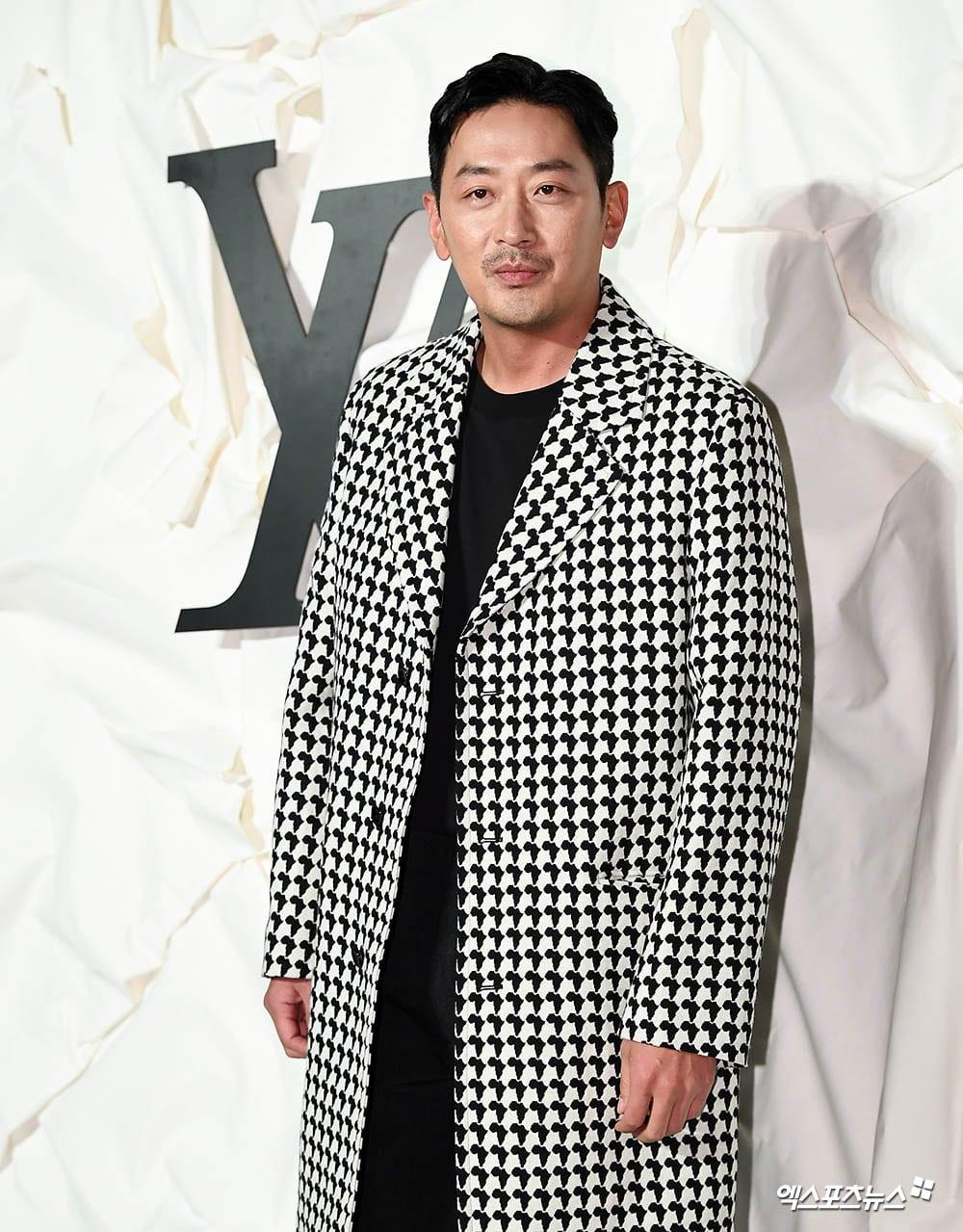 https://0.soompi.io/wp-content/uploads/2019/10/31074930/Ha-Jung-Woo-XPN.jpg