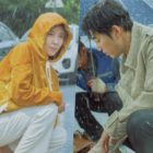 "Ha Ji Won And Yoon Kye Sang Share Romantic Meeting In The Rain In ""Chocolate"""