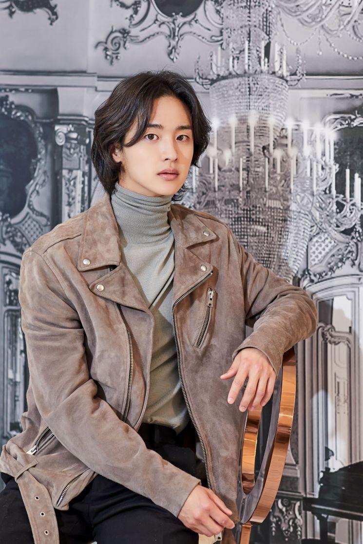 Jang-Dong-Yoon51.jpg