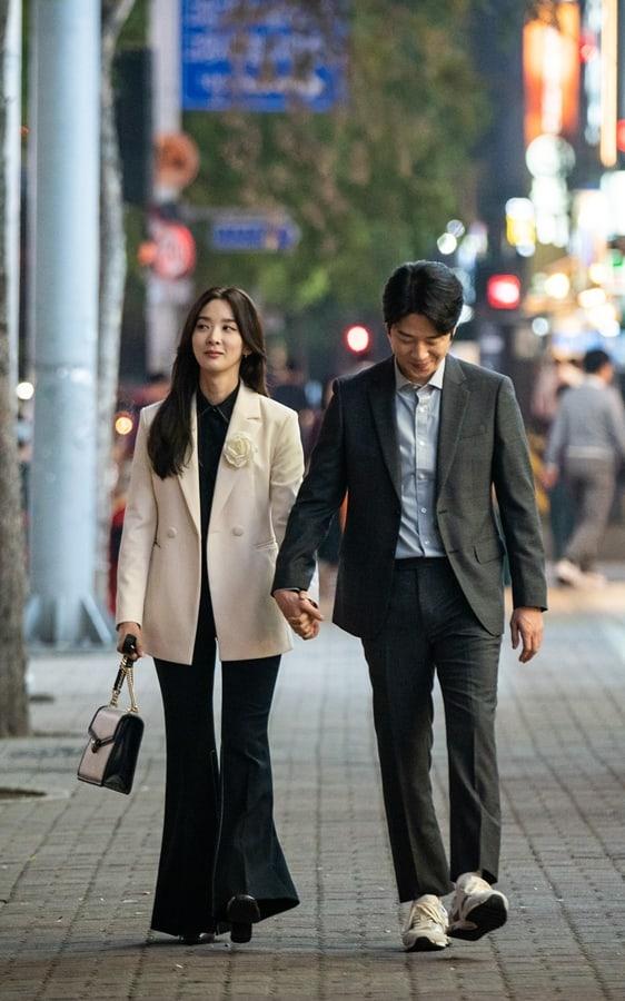 Lee-Chung-Ah-Jung-Joon-Won-2.jpg