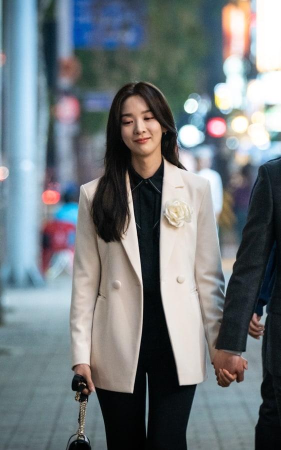Lee-Chung-Ah.jpg