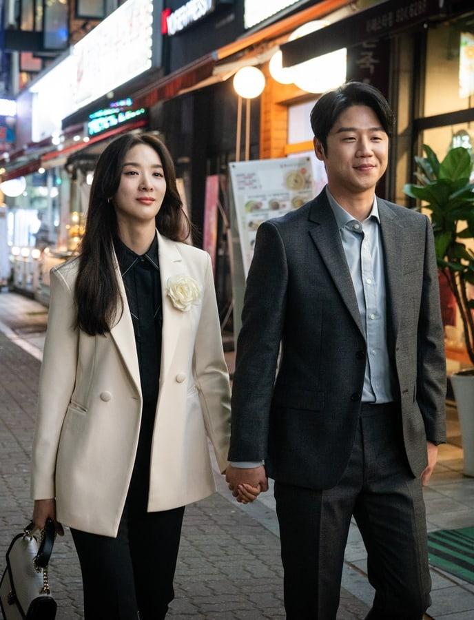 Lee-Chung-Ah-Jung-Joon-Won-3.jpg
