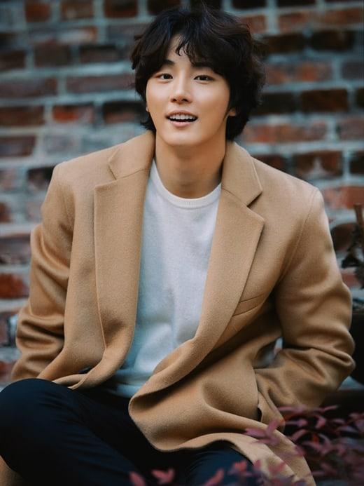 Yoon yoon shi Yoon Si