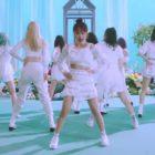 "Update: Weki Meki Reveals Short Version Of ""DAZZLE DAZZLE"" Performance Film"