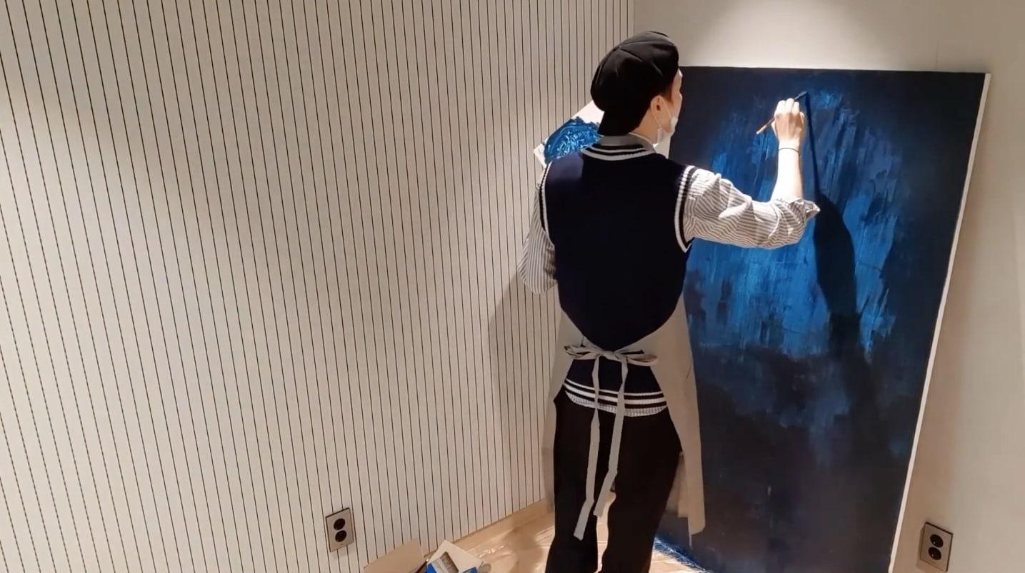 Suga BTS melukis