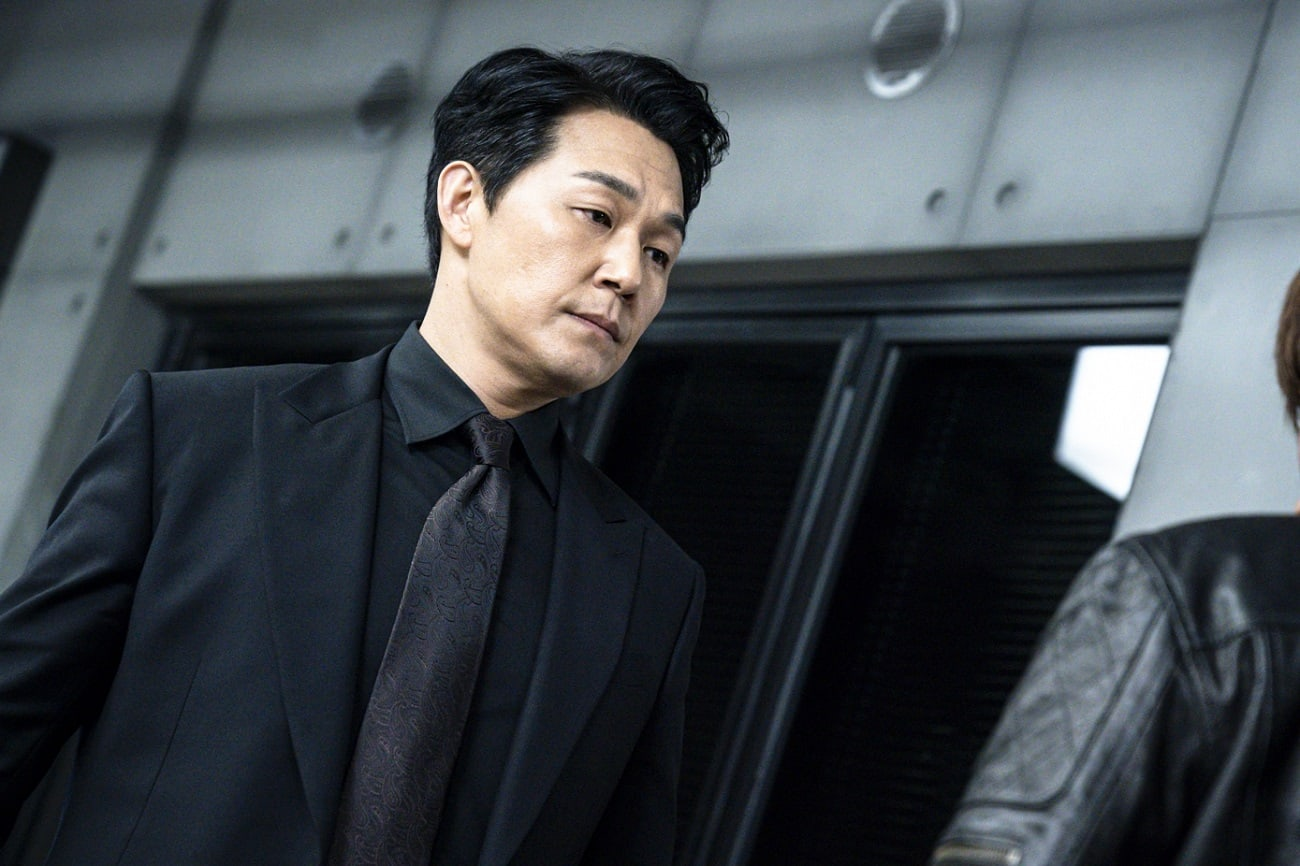"Park Sung Woong And Choi Jin Hyuk Prepare To Face Off In Their Final Battle  In ""Rugal"" Finale 