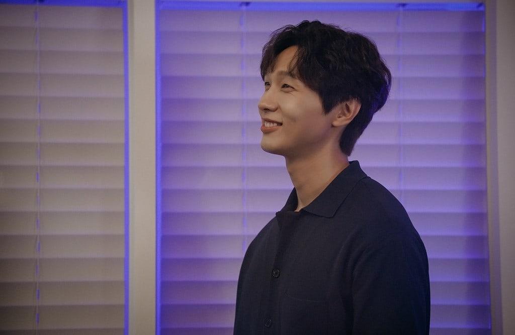 Ji-Hyun-Woo-3.jpg