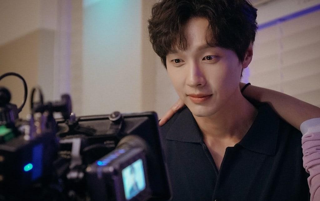 Ji-Hyun-Woo-2.jpg