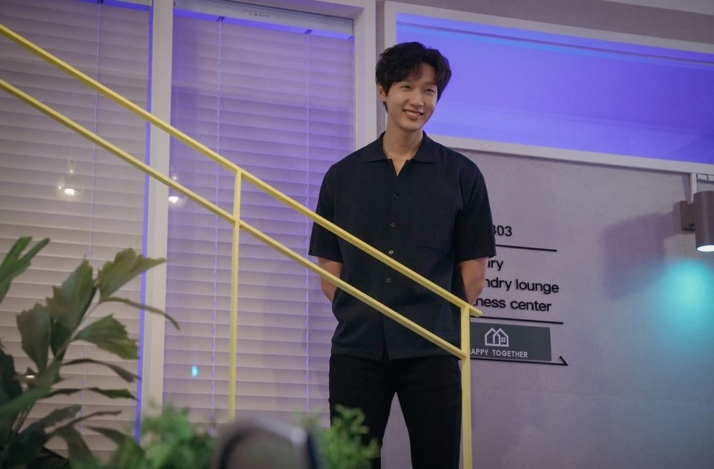 Ji-Hyun-Woo1.jpg
