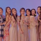 Apink's New Sister Group Weeekly Talks About Recent Debut And Why Apink Is Their Role Model