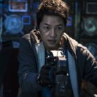 "Song Joong Ki Transforms Into A Space Pilot With A Past For Upcoming Film ""Space Sweepers"""