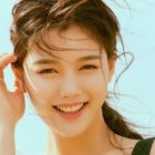 Kim Yoo Jung Officially Signs With Park Seo Joon's Agency Awesome ENT